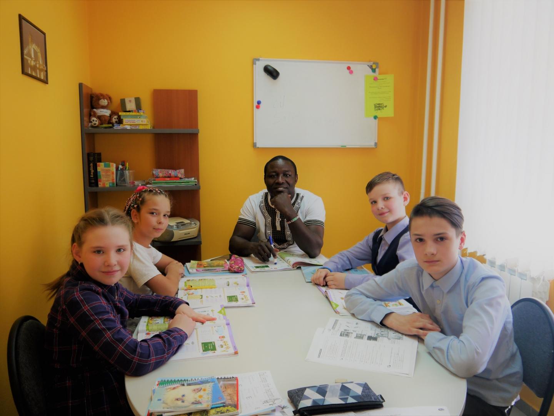 Занятия английским языком с нашим преподавателем-носителем Джозефом